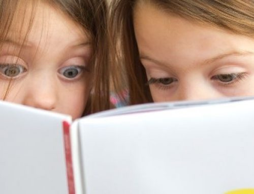 """Padres de familia se quejan por un libro de """"American Girl"""" que incluye el tema de relaciones homosexuales"""