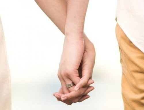 Preguntamos qué significa el día del amor y la amistad. No creerás lo que nos respondieron.