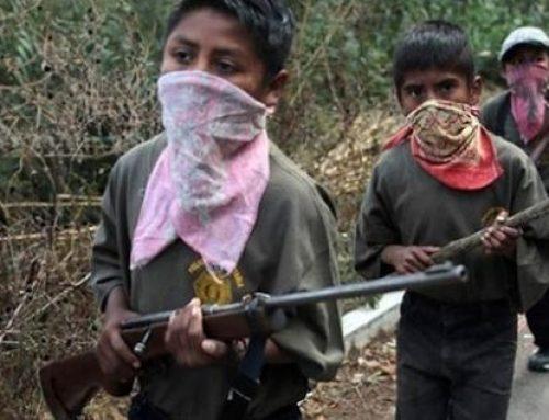 Comunidad indígena de Guerrero integra a niños armados para defenderse del narcotráfico