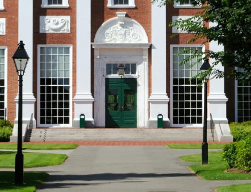 """Un grupo promotor del """"poliamor"""" crece en Harvard"""
