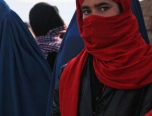 Mujeres protestan contra el gobierno talibán en Afganistán
